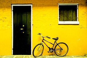 Black Door Lemon Wall, French Quarter, Louisiana, USA
